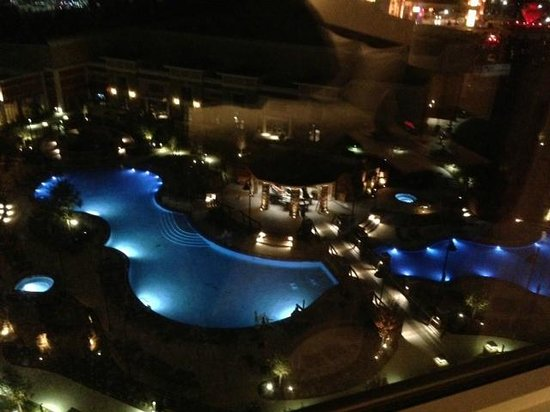 WinStar World Casino Hotel: New Winstar pool area night view from Pool Tower North