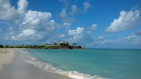 Siboney Beach Club: Adjacent undeveloped beach