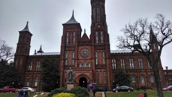 Smithsonian Institution Buidling: The Castle