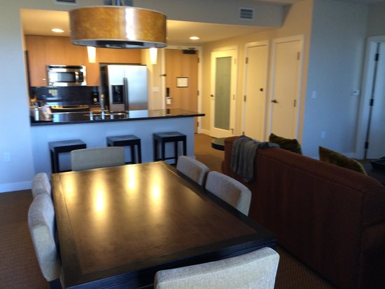 The Westin Verasa Napa: The full kitchen and dining area