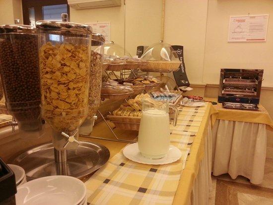 Hotel Galileo: Cereales desayuno