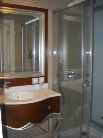 CVK Hotels Taksim : Bathroom