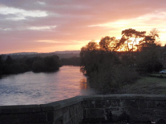 The Bridge House: Sunset over the River Wye