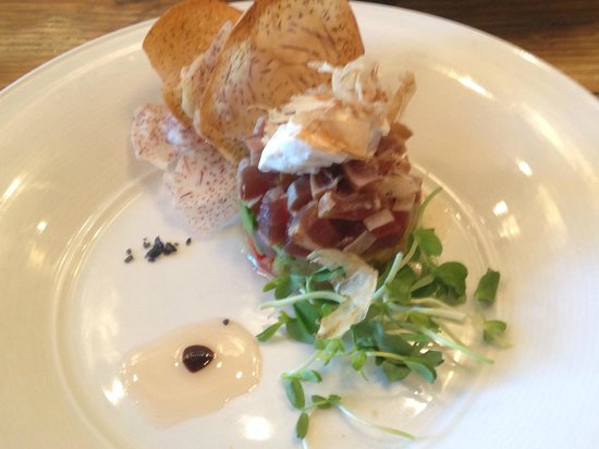 The Beverley Hotel: tuna poke