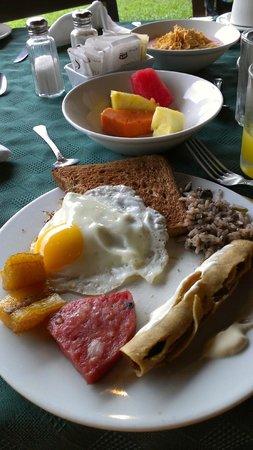 Hotel Lomas del Volcan : Desayuno