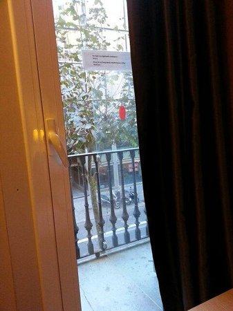 Hostal Barcelona Centro : View from my tiny balcony
