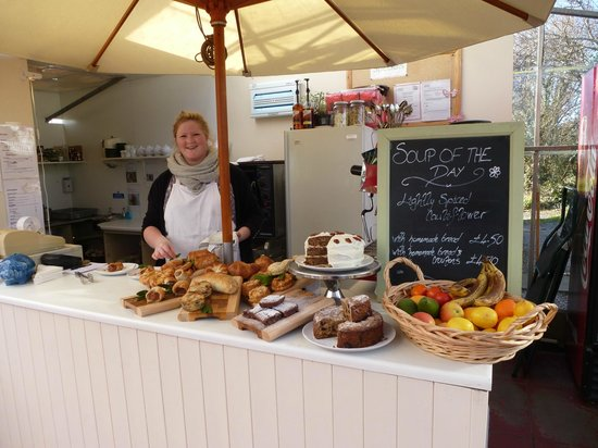 Glasshouse Cafe: Delicious treats with a smile!