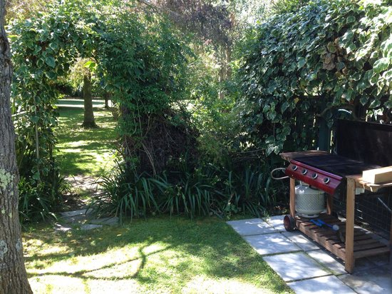 Riverbank Cottages: Great BBQ