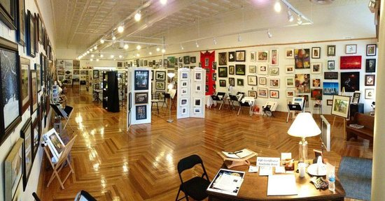 A Work of Art Gallery & Gifts: 606 Gallery, home to over 30 regional artists