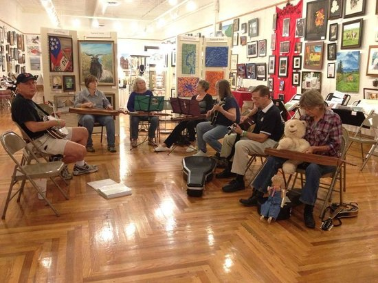 A Work of Art Gallery & Gifts: 606 Gallery hosts a bluegrass jam night every Monday night (except for the first Monday)