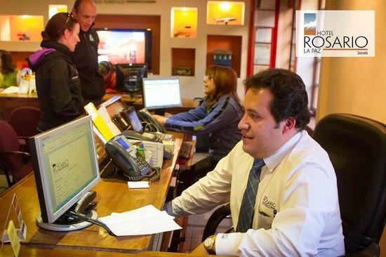 Hotel Rosario La Paz: Reception Desk