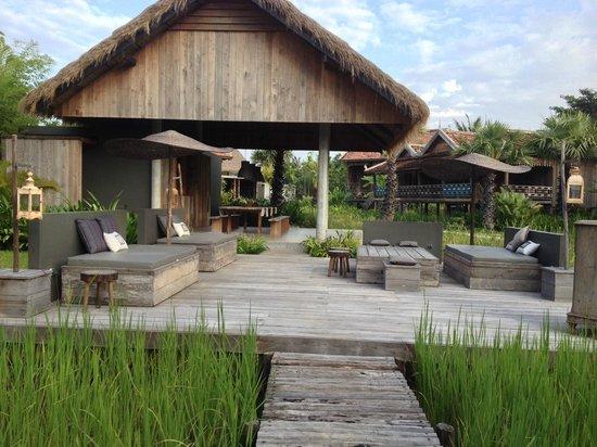 Sala Lodges: détente ou repas près de la piscine