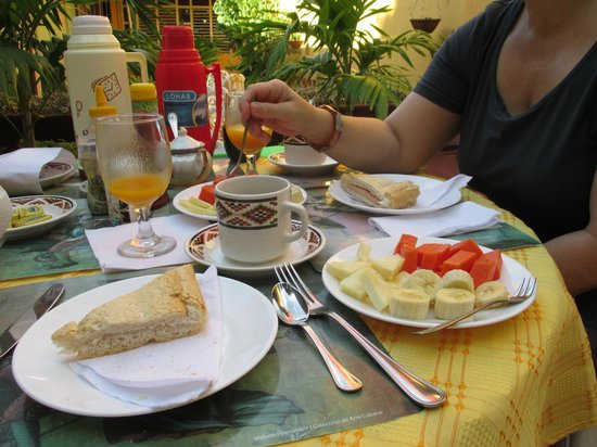 Hostal Antonio y Mary: Frühstück im Innenhof