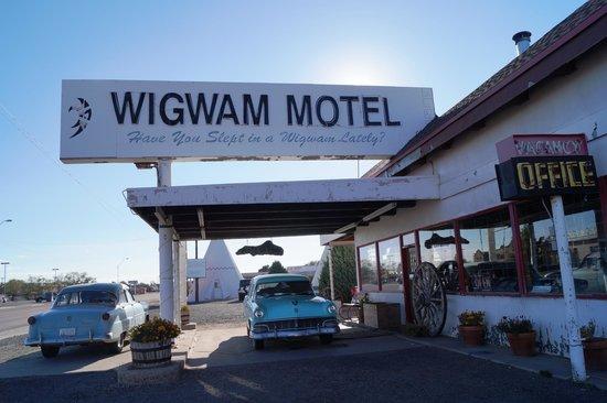 Wigwam Motel: Office & museum