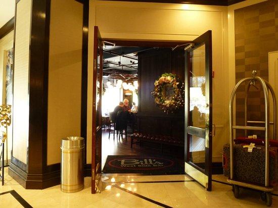 New York Marriott Downtown: Bills Bar and Burger