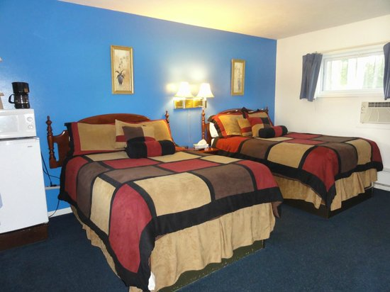 Saco River Lodge & Suites: chambre