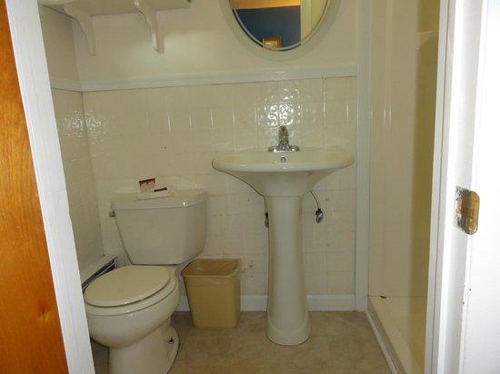 Saco River Lodge & Suites: salle de bains