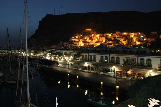 Café Sol Y Luna: Paseo del puerto