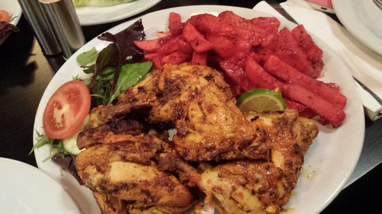 Babouchi Grill: Whole chicken with masala chips!