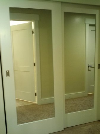 The Limelight Hotel: Sliding double door closet