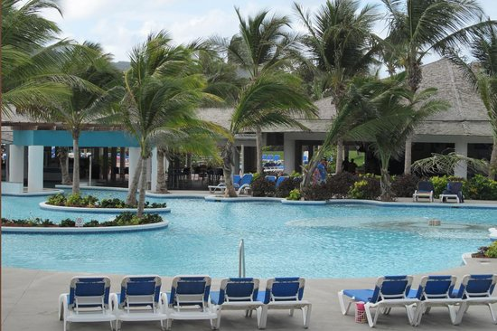 Coconut Bay Beach Resort & Spa: Main pool