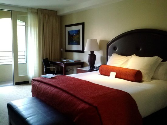The Limelight Hotel: King Deluxe Room