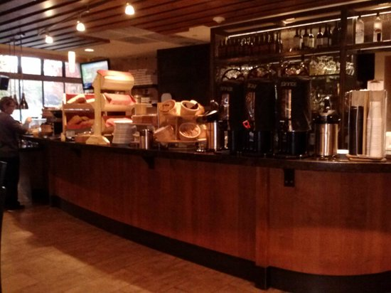 The Limelight Hotel: Breakfast buffet coffee/bagel station