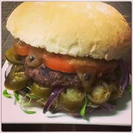 Cucina eat & feed concept: Jalapeno burger