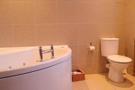 Victoria Park Hotel : charming bathrooms