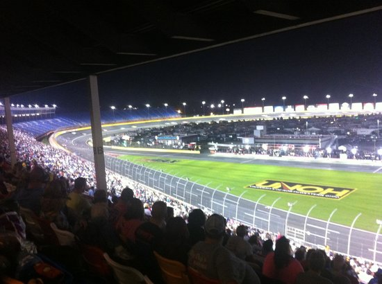 October nascar race 2013 picture of charlotte motor for Charlotte motor speedway driving experience