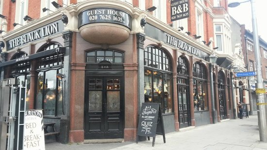 Black Lion Guesthouse : from Kilburn High street