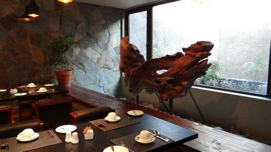 Hotel Manquehue Puerto Montt : un rincon del comedor