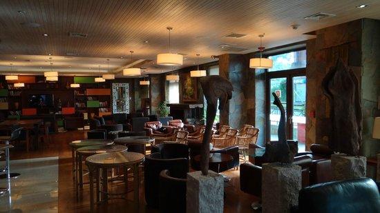 Hotel Manquehue Puerto Montt : impresionante salon