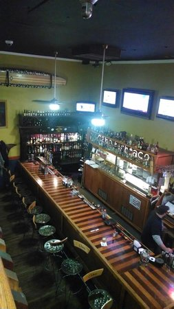 Cabo Fish Taco: Bar