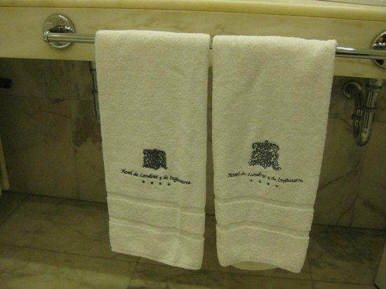 Hotel de Londres y de Inglaterra: Detalles elegantes