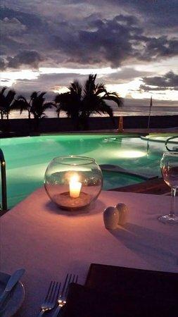Casa Velas : Dinner at beach club