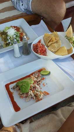 Casa Velas: Lunch poolside