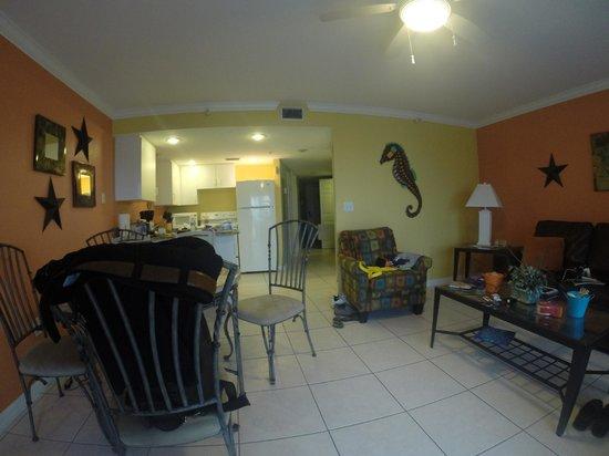 South Beach Condo/Hotel: Vista da Sala e parte da cozinha