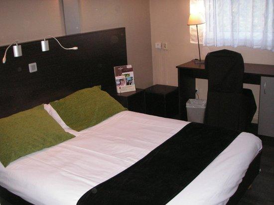 Inter-Hôtel Ascotel : Chambre