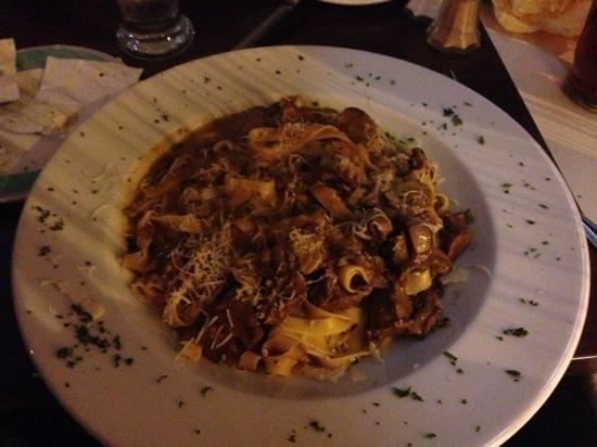 La Strada Restaurant: Fettucini Rosso