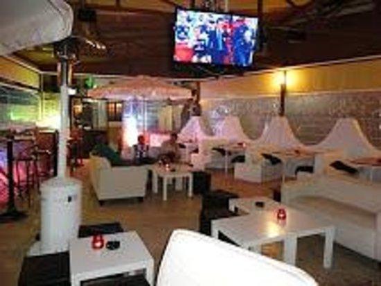 Cafe-Bar La Perla Lounge: Café-Bar La Perla Lounge