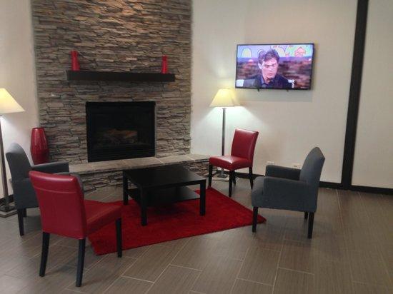 Ramada Waukegan/Gurnee: Lobby