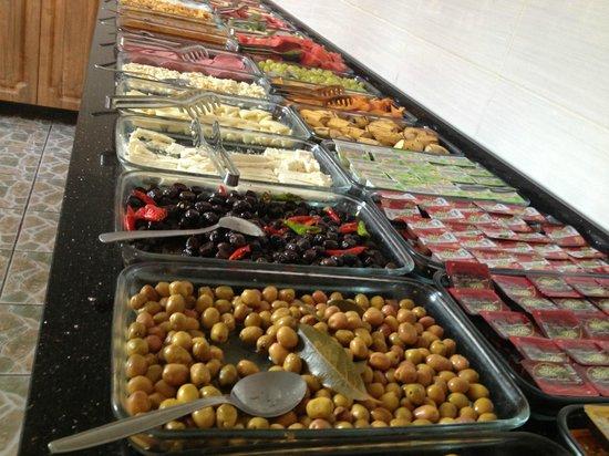 Dara Hotel Istanbul : breakfast buffet