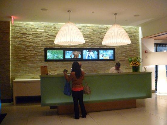 Pod 51 Hotel: Lobby de entrada