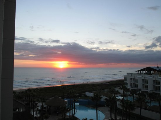 Pearl South Padre: sunrise from the room balcony