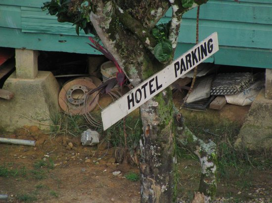 Macaroni Hill View Hotel & Restaurant: Hotel Parking Sign