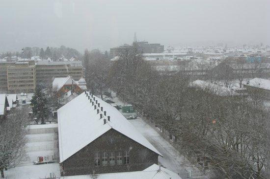 ibis budget Bern Expo: Foto tirada em fevereiro de 2013. Vista da janela do quarto.