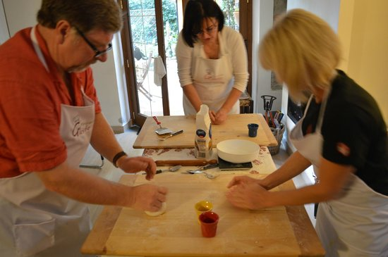 Toscana e Gusto : all hands getting busy