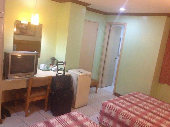 Rosa's Garden Hotel: Room
