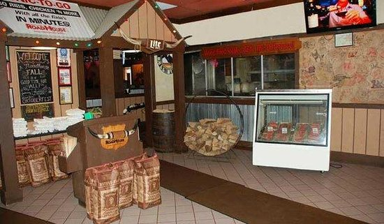 Brown Derby Road House: Lobby